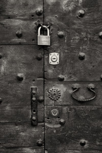 Locked Out, Italy